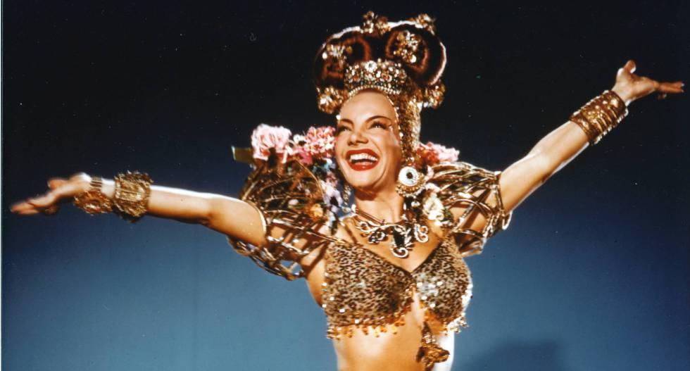 A cantora e atriz Carmen Miranda.