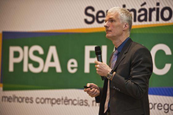 Andreas Schleicher durante seminário nesta terça-feira, em Brasília.