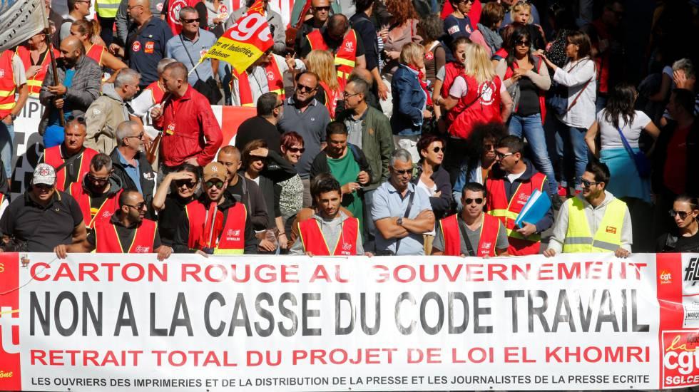 Manifestantes durante protesto contra reforma trabalhista