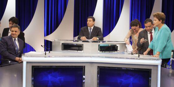 Aécio e Dilma partiram para o ataque no segundo debate.