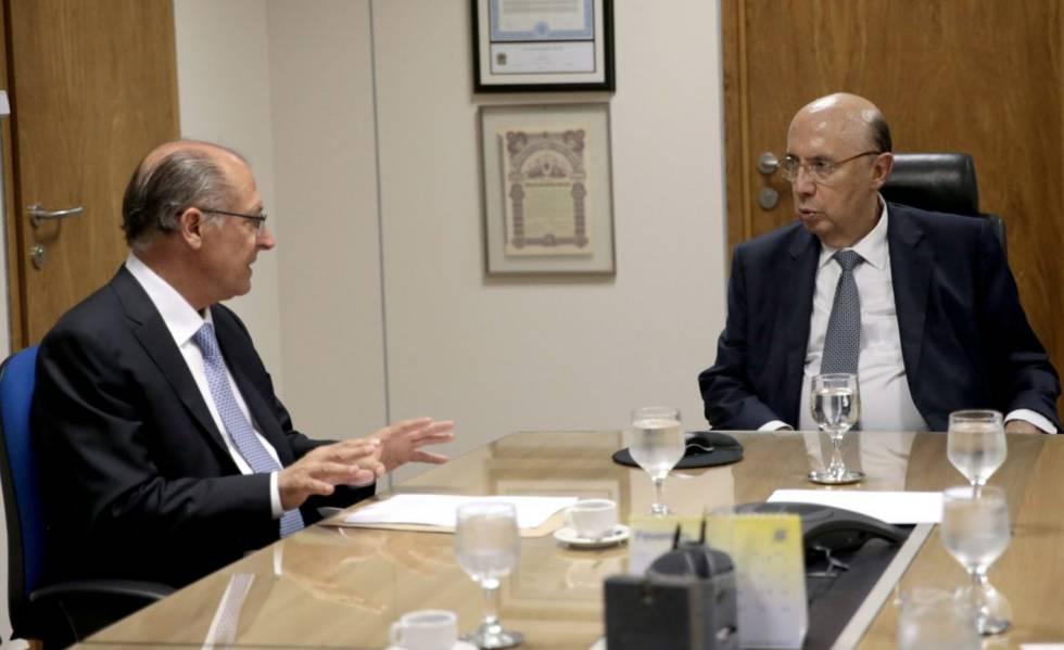 Geraldo Alckmin (PSDB) e Henrique Meirelles (MDB) em reunião em março de 2017, quando o tucano ainda era governador de São Paulo e Meirelles, ministro da Fazenda.