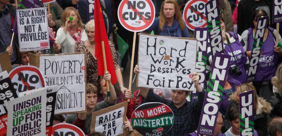 Manifestação em Londres contra os cortes.