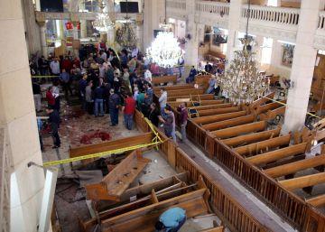Dois ataques suicidas contra igrejas deixam 44 mortos três semanas antes da visita do Papa Francisco