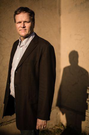 O historiador Charles Walker.