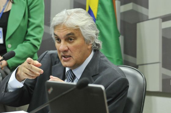 O senador Delcído do Amaral, em foto de arquivo.
