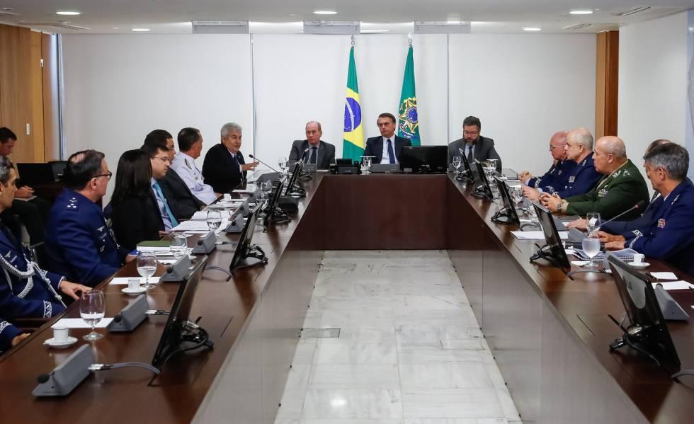 Presidente durante reunião no Palácio do Planalto sobre o acordo de fusão Boeing-Embraer .