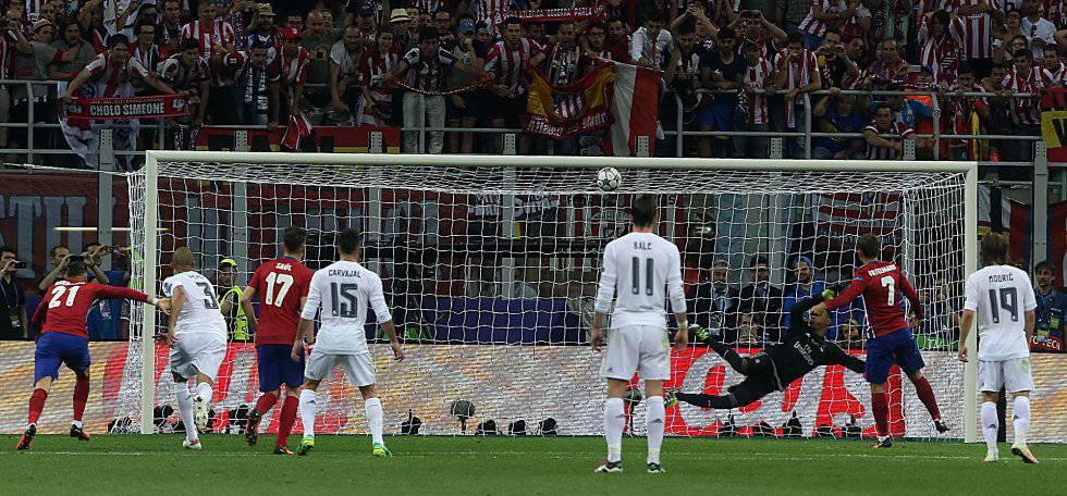 Griezmann perde o pênalti no última final de Champions.