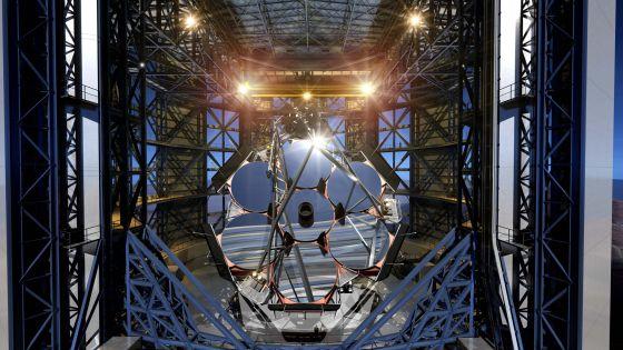 Reconstrução do Telescópio Gigante de Magalhães.