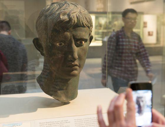 Literatura Histórica Lições De Augusto Para Um Mundo Em
