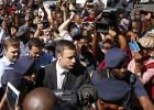 O atleta sul-africano matou a tiros a modelo Reeva Steenkamp em fevereiro de 2013. A Promotoria havia pedido dez anos de prisão