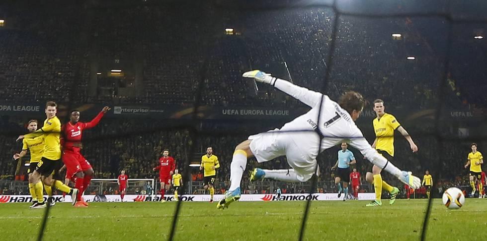 O Liverpool saiu na frente com Origi.