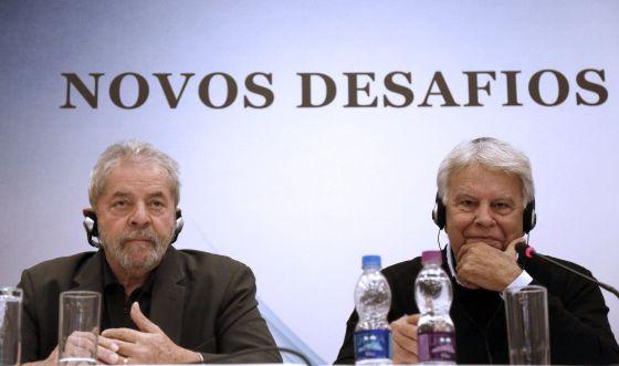 Lula e Felipe González, em São Paulo.