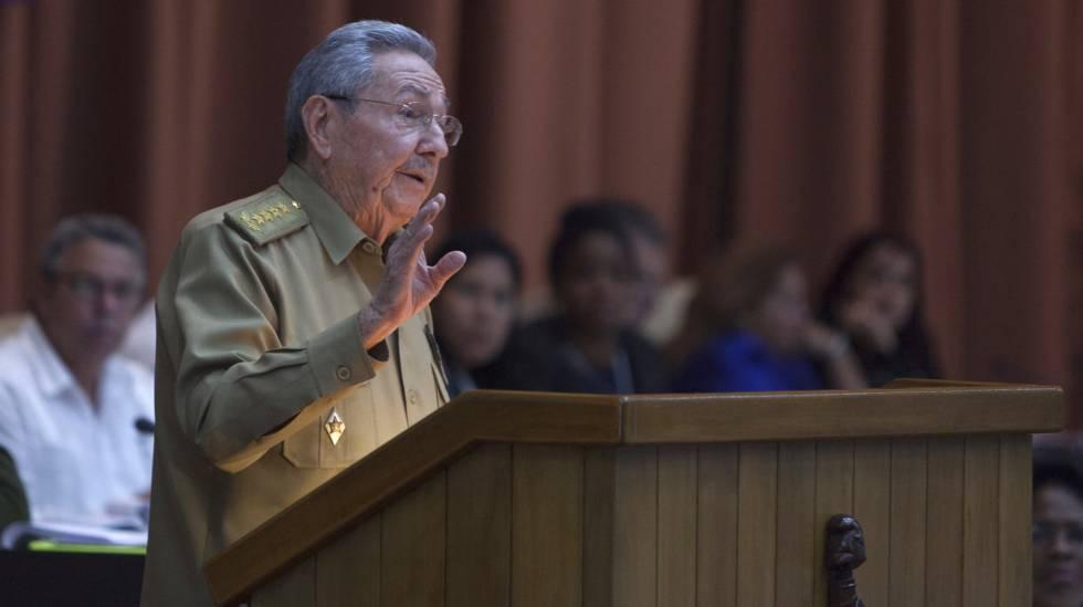 Raúl Castro durante seu pronunciamento parlamentar