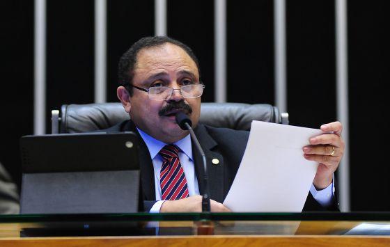 Waldir Maranhão preside sessão da Câmara.