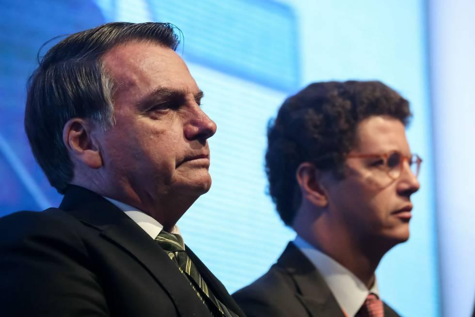 Bolsonaro e o ministro Ricardo Salles, que defendem a reestruturação do Fundo Amazônia, em um evento recente.