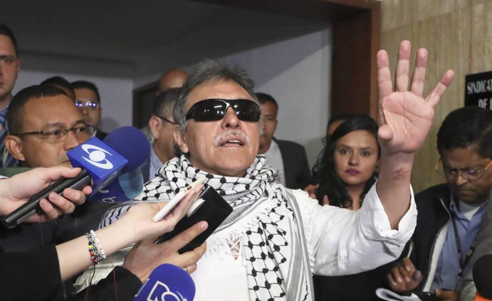 O ex-guerrilheiro das FARC Jesús Santrich, depois de tomar posse no Congresso colombiano.