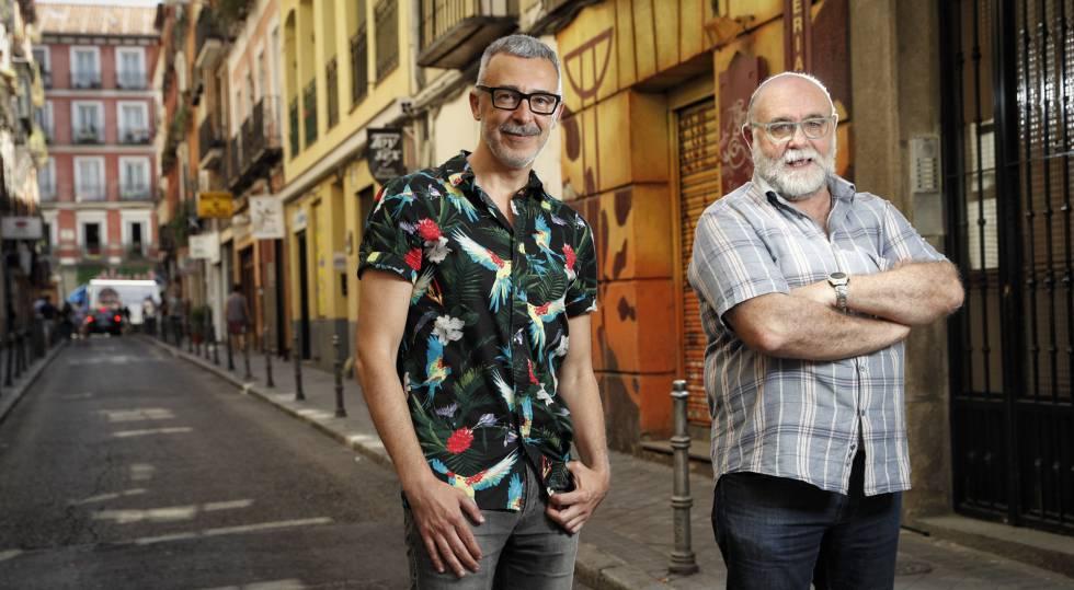 Federico Armenteros e Paco Tomás no bairro de Chueca, em Madri.