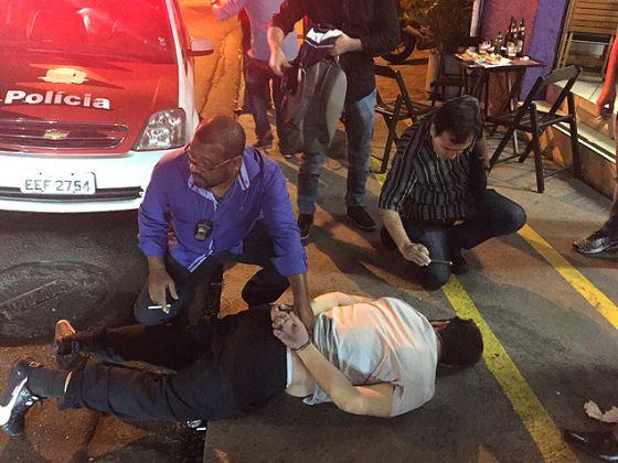 O ex-auditor da prefeitura Luis Magalhães é preso.
