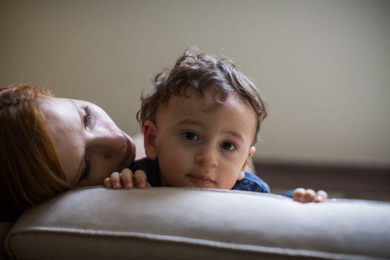 Érica, que teve parto normal, e o filho.