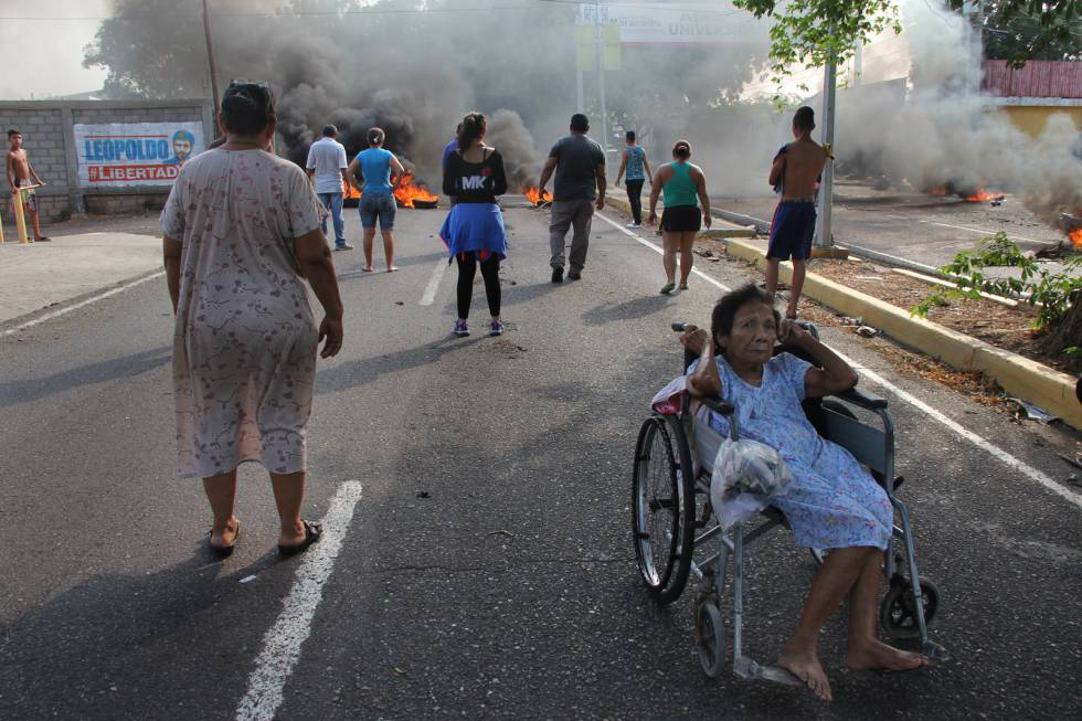 Protestos em Maracaibo em repúdio ao racionamento de energia elétrica obrigado pela seca.