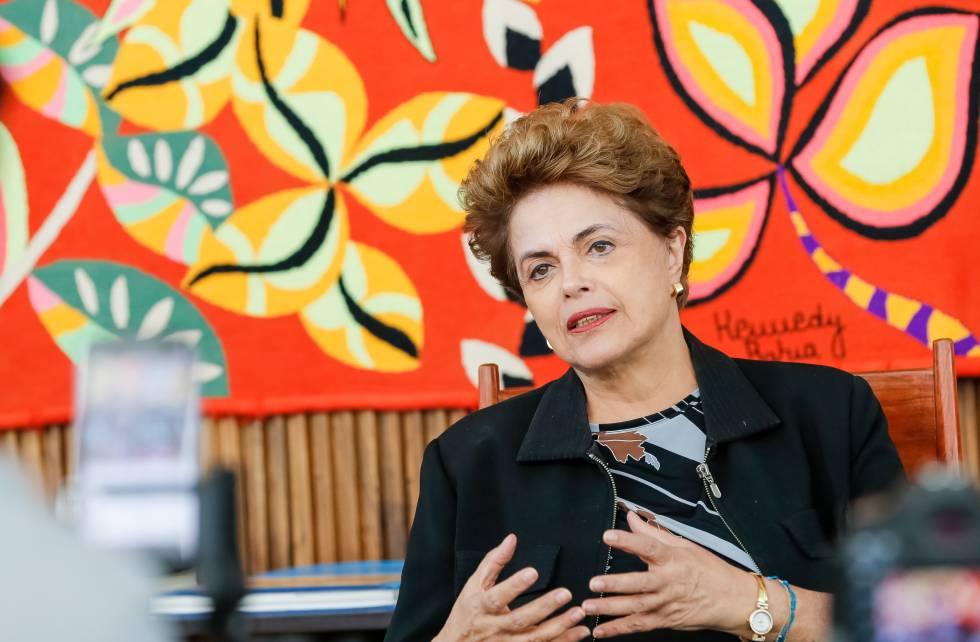 Dilma em entrevista no Palácio da Alvorada.