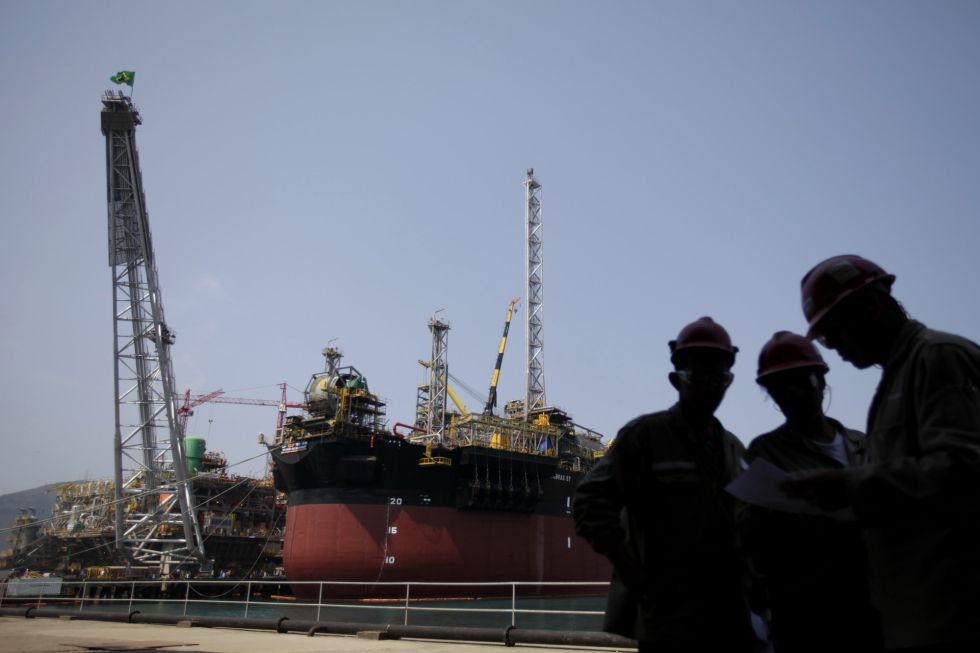 Construção de uma plataforma de Petrobras no Rio de Janeiro.