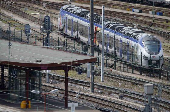 Um dos novos trens, na estação de Estrasburgo.