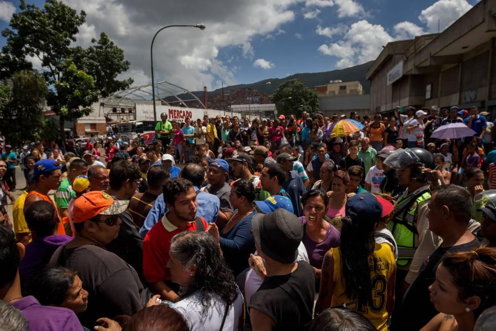 Protesto contra a escassez e o preço dos alimentos no bairro de Catia, na periferia de Caracas.