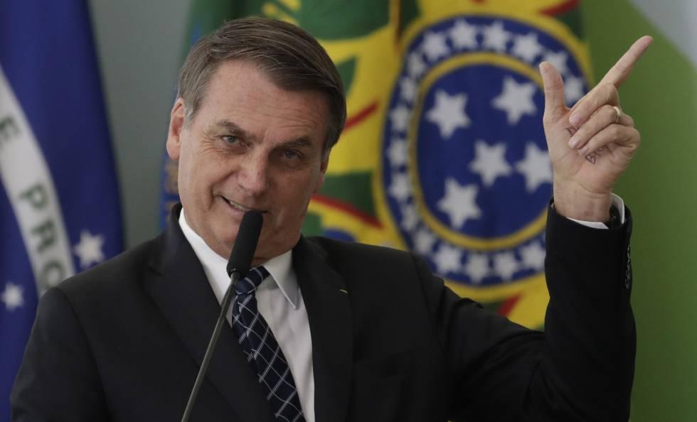 Bolsonaro ao lançar o programa Médicos pelo Brasil.