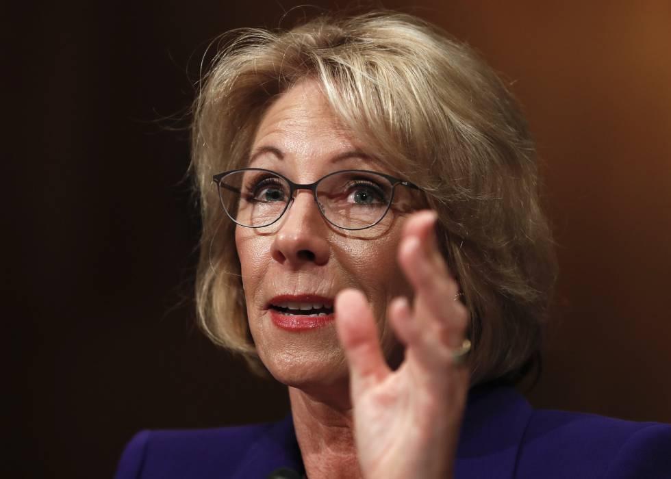 A secretária de Educação, Betsy DeVos.