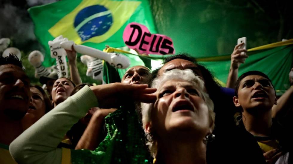 Bolsonaristas promovem manifestação na avenida Paulista, em São Paulo.