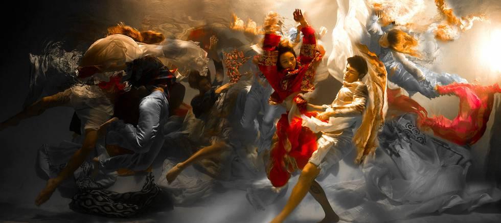 Evolution, da série da fotógrafa Christy Lê Rogers titulada Musas.