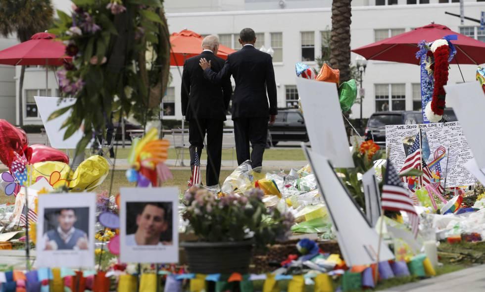 Obama e Biden rendem homenagem às vítimas da boate Pulse.
