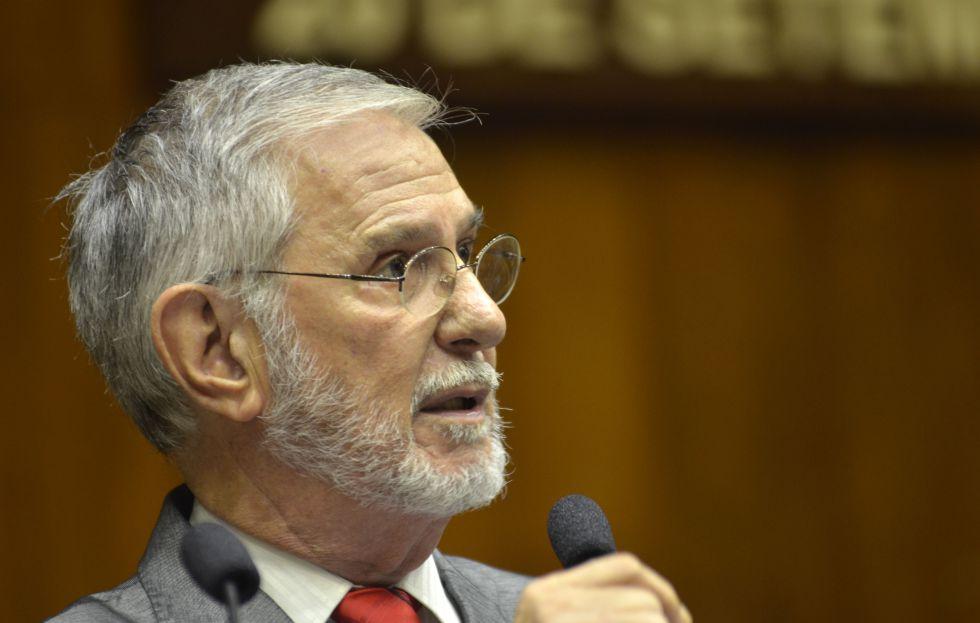 Ibsen Pinheiro na Assembleia Legislativa do Rio Grande do Sul, no dia 22 de março.