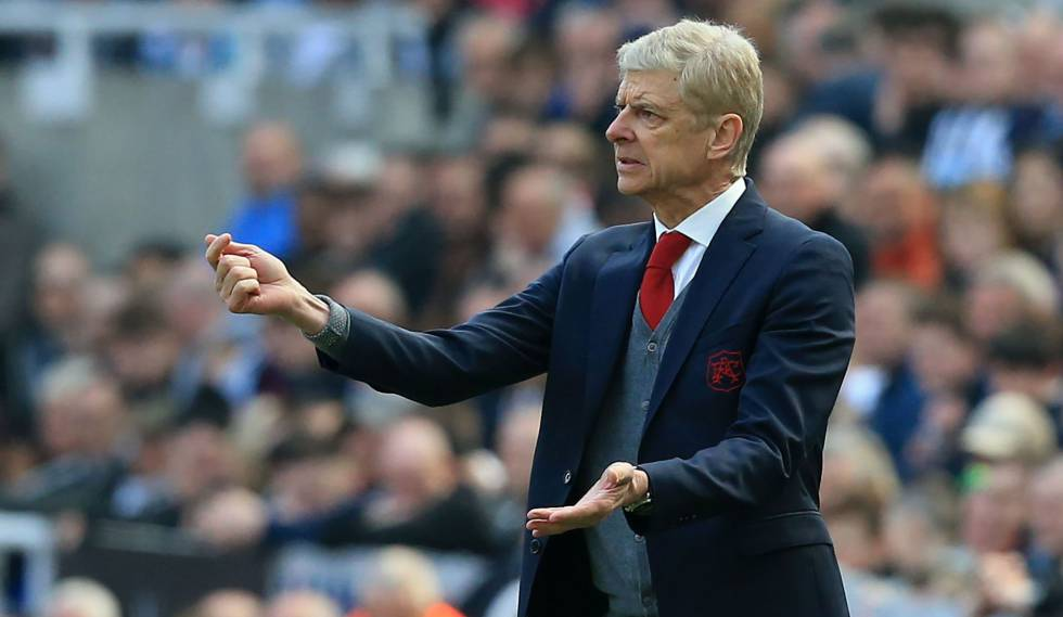 Arsene Wenger, durante uma partida do Arsenal.