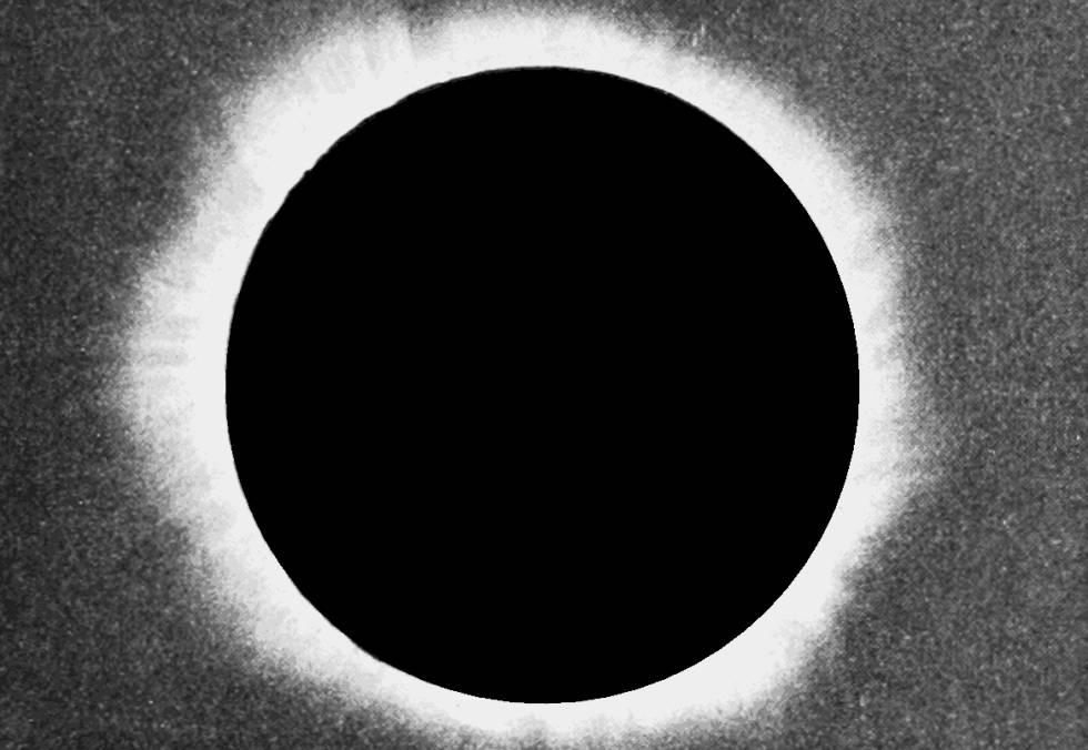 Primeiro eclipse solar fotografado no Chile, em 1893.