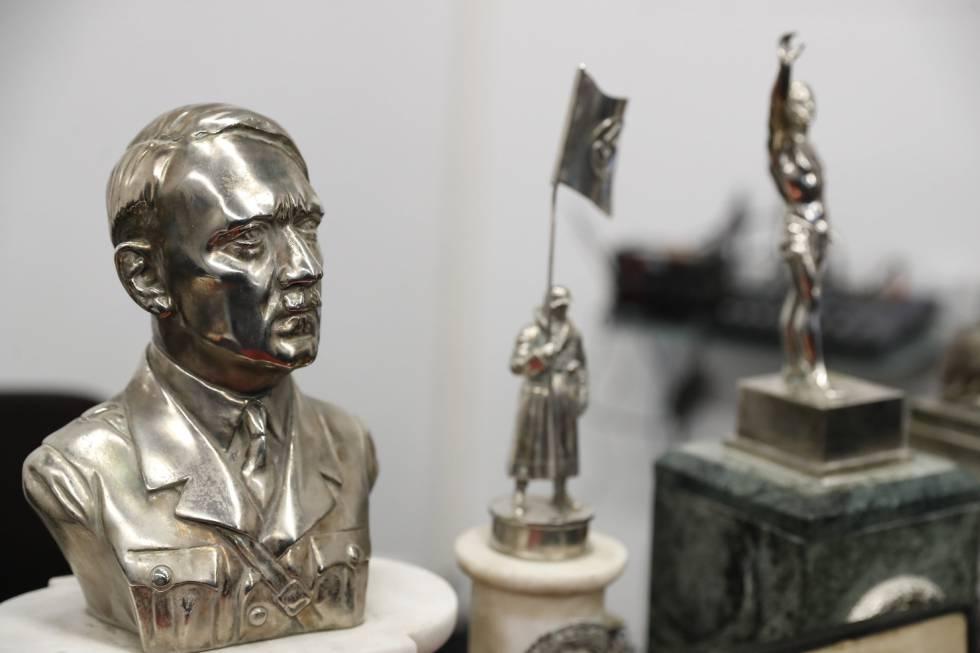 Algumas das peças nazistas recuperadas pela Polícia Federal argentina.