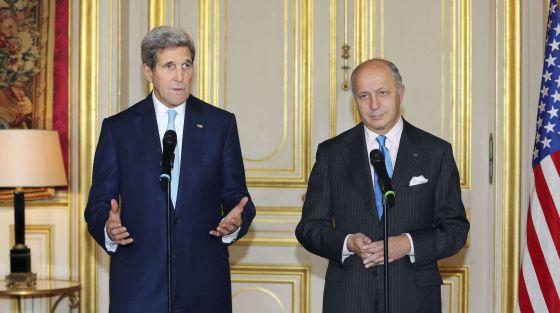 Secretário de Estado dos EUA e o ministro francês de Relações Exteriores.