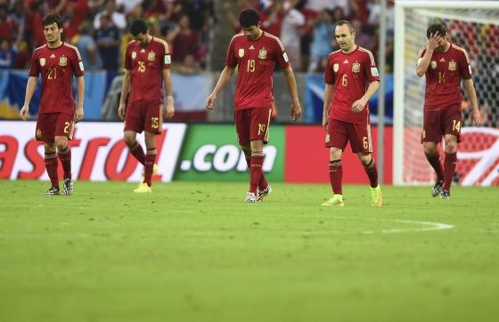 Silva, Busquets, Costa, Iniesta e Alonso, depois de sofrerem um gol.