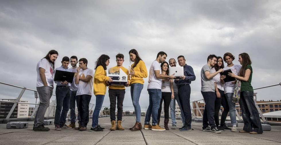 A equipe da Printeria na Universidade Politécnica de Valência.