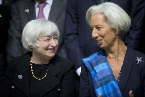 A presidenta da Reserva Federal, Janet Yellen, à esquerda, conversa com Christine Lagarde, diretora gerente do FMI.