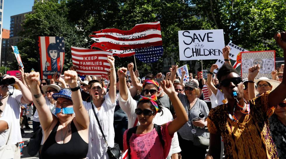 Participantes na manifestação de Nova York neste sábado.