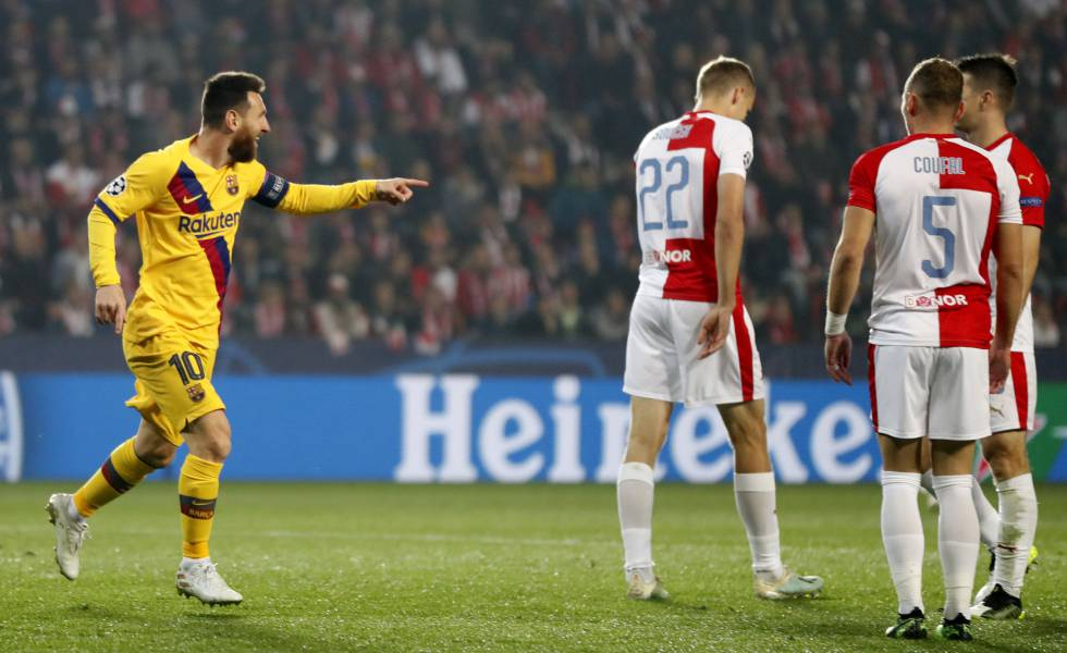 Messi comemora gol em Praga.