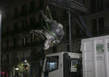 Prefeitura de Barcelona retirou os destroços do monumento esta madrugada