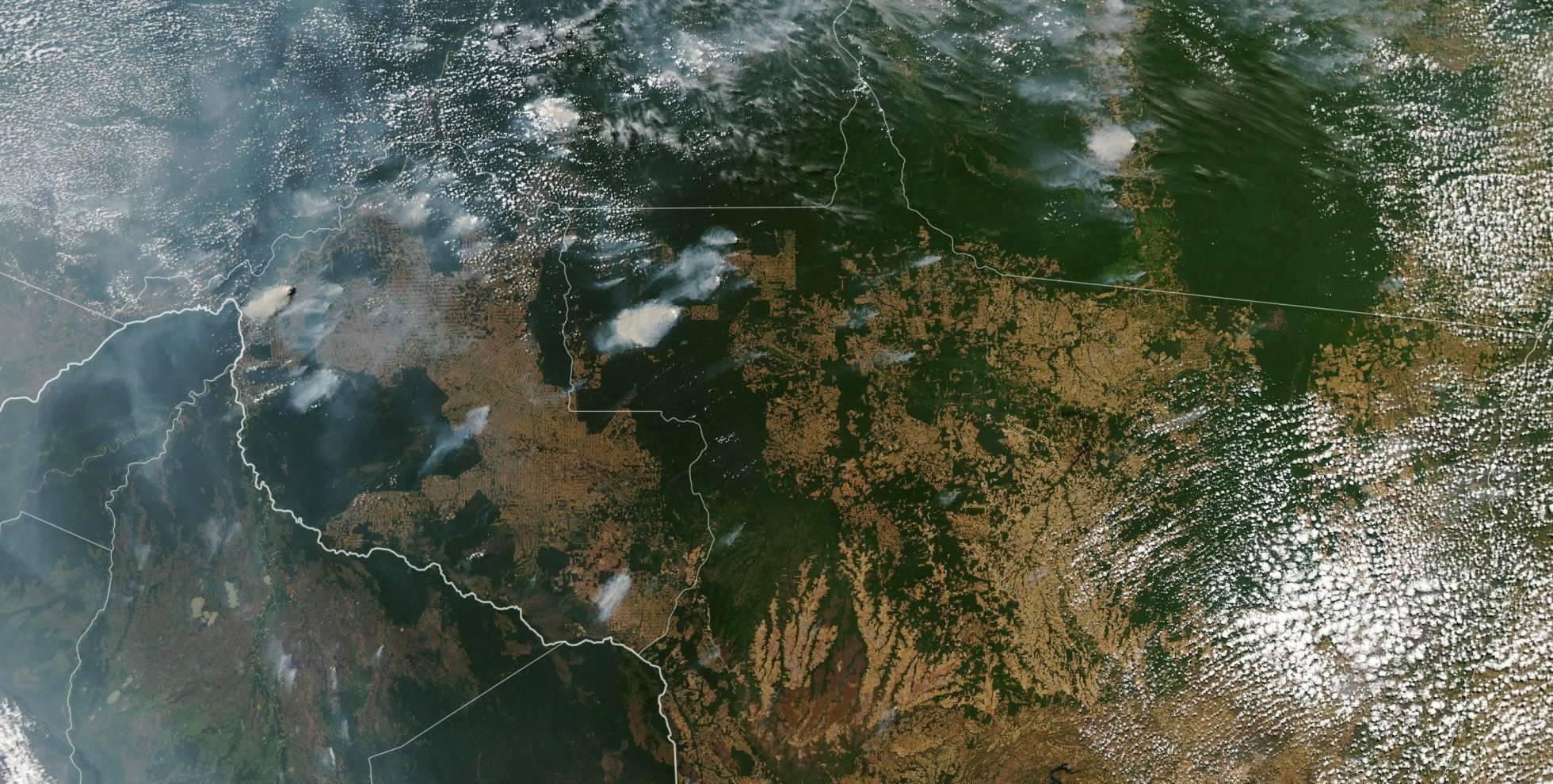 Incendios en la Amazonía tomada desde el satélite Aqua de la NASA.