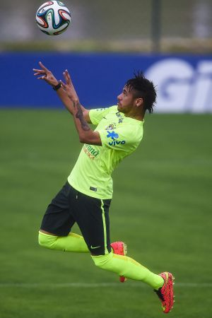 Neymar, durante treinamento na Granja Comary.