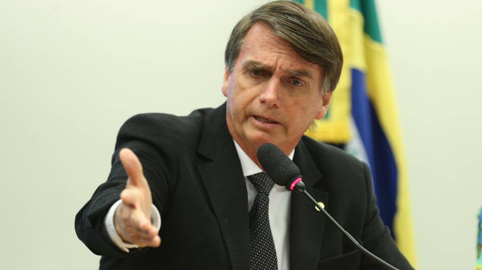 Jair Bolsonaro em sessão do Conselho de Ética que rejeitou processo contra ele por elogiar o coronel que foi chefe do DOI-CODI, Carlos Ustra