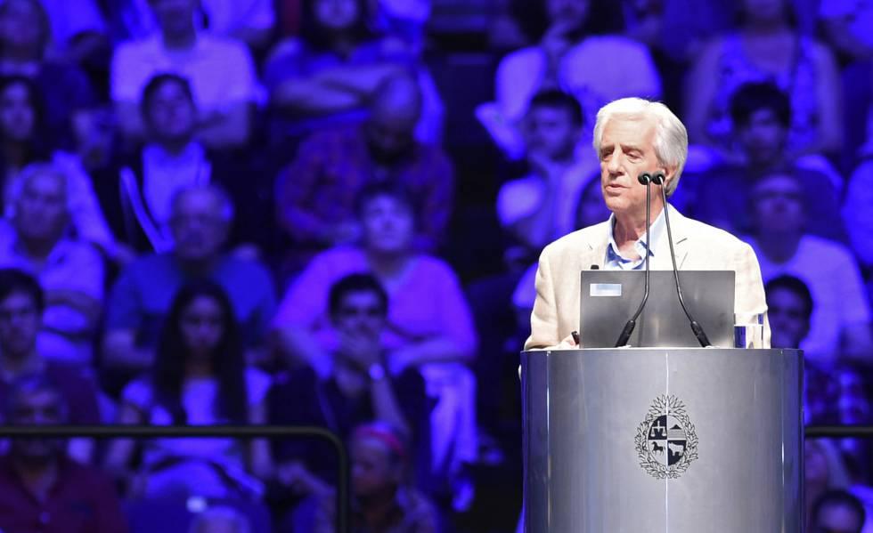 O presidente do Uruguai, Tabaré Vázquez, fala durante a apresentação de um balanço de sua gestão, na sexta-feira passada, em Montevidéu.