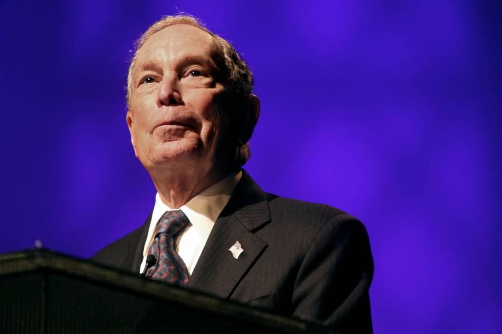Michael Bloomberg, ex-prefeito de Nova York, durante um pronunciamento.
