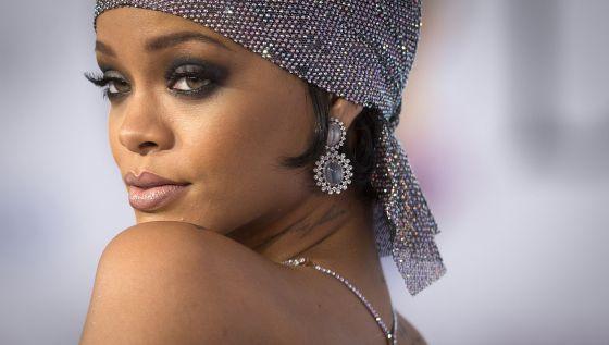A cantora Rihanna.